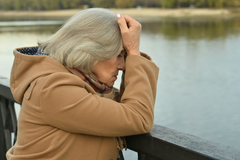 Opiekunka seniora doświadcza stresu