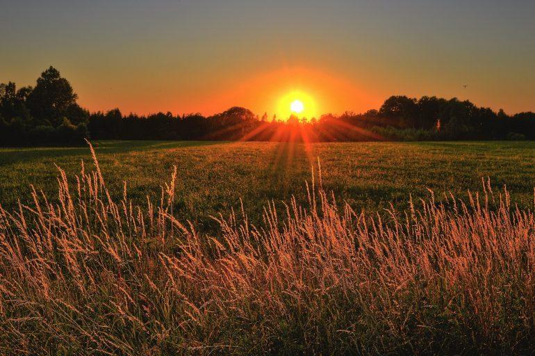 zespół zachodzącego słońca