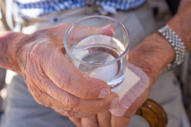 konsekwencje odwodnienia u osób starszych